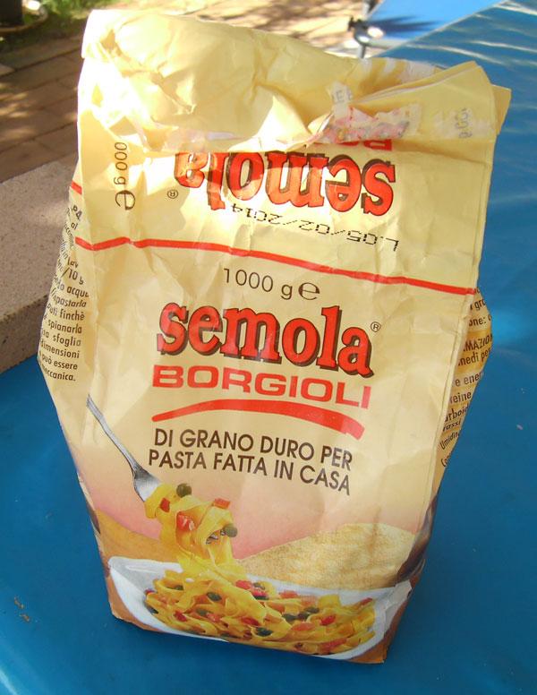 griffiges Weizenmehl - zum Beispiel Semola Borgioli